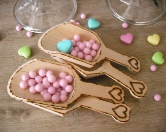 2  Wooden Scoops ... Wood Burned with hearts .... WEDDING Candy Buffet ... Rustic Chic