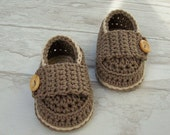 Baby shoes, crochet booties little loafers taupe and sand size 0/3 months with gift box ready to ship