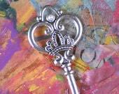 1 Big Royal Key Heart, Crown Pearls XL Pendants Very Bridal for Bouquet (P1406)