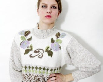 Vintage sweater / Betty Barclay creme floral letter B jumper / size M