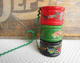 Vintage Handpainted Wooden Napkin Rings Country Cottage Cabin Table Decor