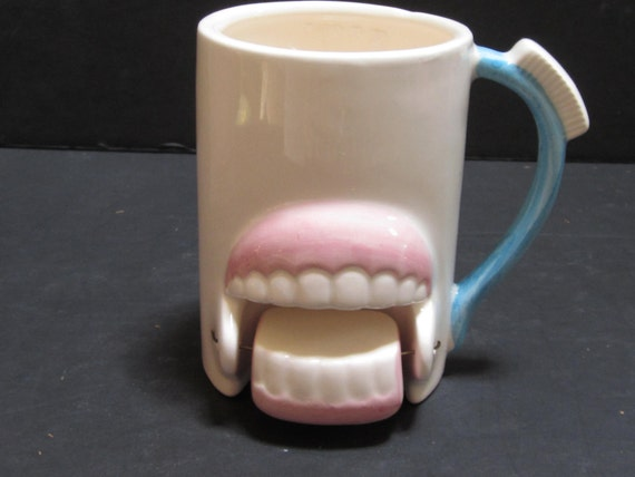 Sale 50% ~ The Swinging Teeth with a Toothbrush Handle Mug - Item 977