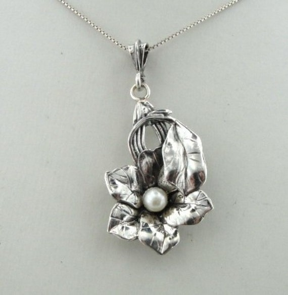 Hand Crafted Art Silver Flower Pearl Pendant (s p915s)