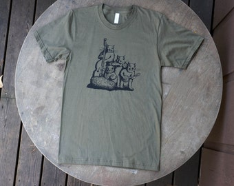 Squirrel Blue Grass Band / Hipster Design on American Apparel Army Green Tee for Men