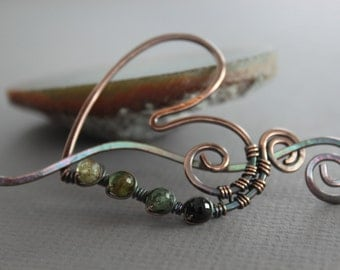 Green ombre tourmaline color agates heart shawl pin or scarf pin in copper with a wavy pin stick - Heart pin - SP005
