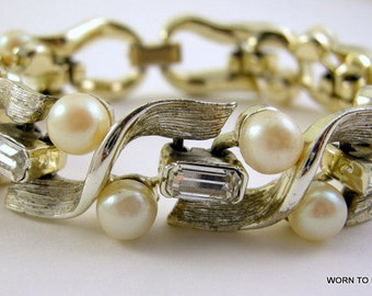Lisner Gold Tone Bracelet with Imitation Pearls and Rhinestone Baguettes