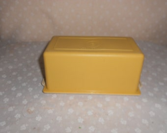 Tupperware Butter  pound container harvest gold