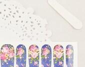 Haute High Tea Nail Wraps - roses Roses / fond bleu