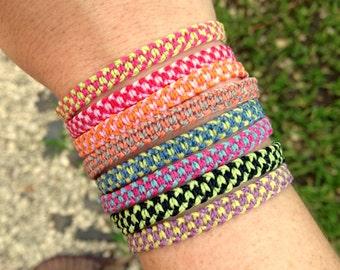 Multicolored custom string bracelet. Friendship bracelets. Surf bracelets. Personalized jewelry. Best friend gift. Thread bracelet. Macrame