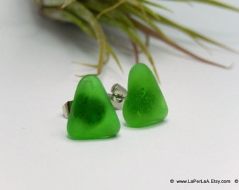 Mermaid Post Earrings - TRIANGLE - Organic Sea Glass Earrings with Genuine Natural Amalfi Sea Glass bottle green / recycle / vintage / nr123