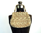 1950s beaded purse Lumured handbag evening purse gold metallic cream ivory