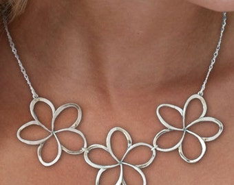 A Hawaiian Pua Melia Plumeria Necklace Excellent For Everyday Wear