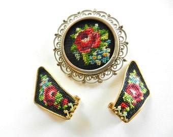 Italian Vintage 1950 - A Rare cameo floral embroidery and earrings set - extra chic-art.127-