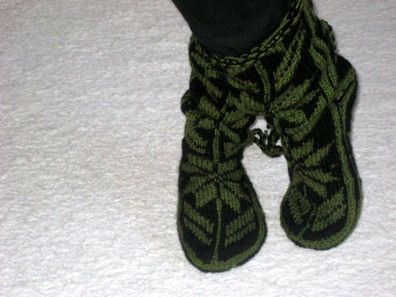 Cool  Slippers for Chic Ladies, Mukluk ,Handmade Slippers