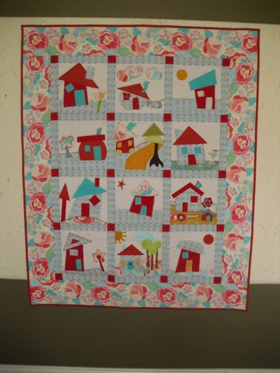 wonky house quilt wall hanging