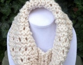 HandKnit Cowl scarf - Hand Knit neck scarf- Hand Knit Chunky scarf- Hand Knit Ivory cowl scarf - Hand Knit womens scarf- Scarves