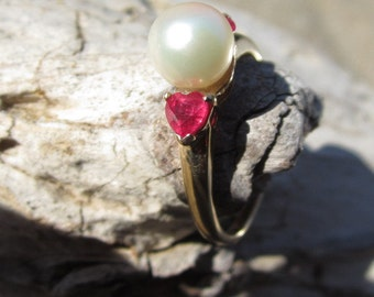 Vintage Akoya Pearl and Ruby Ring 14K Yellow Gold