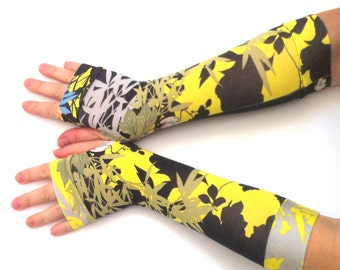 Fingerless  gloves    in black - yellow colors