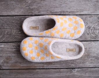 Beige felted wool slippers with yellow polka dots, eco friendly home shoes for women, organic woolen clogs, gift for mother