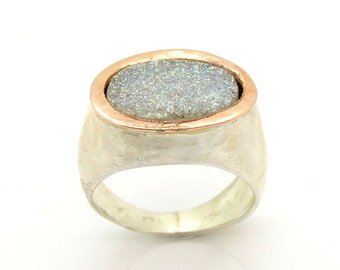 Oval Druzi ring hammered silver and gold on top
