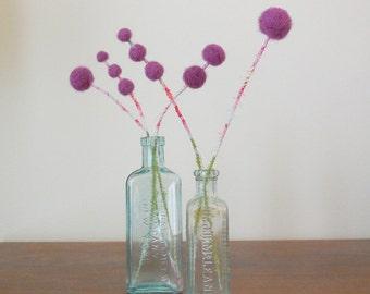 Purple felt flower bouquet - Pom pom flowers - Grape purple flowers - Wool felt balls - Frayed fabric - Girls nursery decoration - Thistles