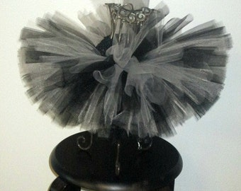 Black and Light gray tutu, black and gray tutu, black and grey tutu,girls tutu,birthday tutu,flower girl tutu,football tutu,newborn tutu