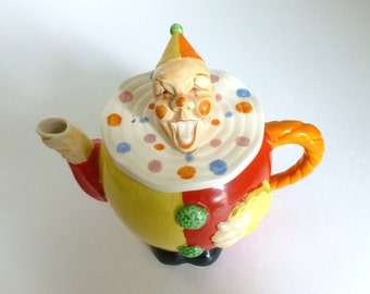Mid Century Occupied Japan c. 1946 -1952 Maruhon Ware Ceramic Clown Teapot
