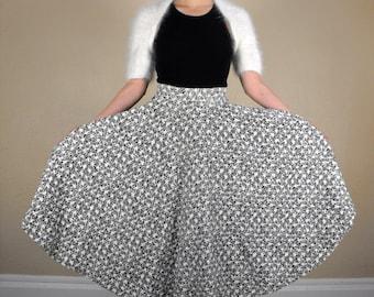 50s Print Skirt White Black Full Circle Vintage XS