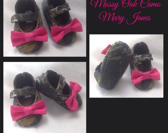 Camo Baby Girl Shoes with Pink Bows | Newborn up to 24 Months