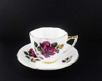 Royal London Bone China Bone China Tea Cup and Saucer Mauve Rosebud England