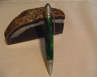 Celtic Twist Pen in Green Buckeye Burl
