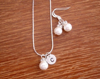 6 Simple Elegant Pearl and Initial Disc Bridesmaid Jewelry Gifts - Necklace and Earrings, Weddings