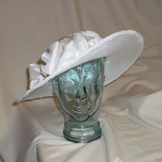 Victorian Style Hats, Bonnets, Caps, Patterns White Edwardian Picture Hat- Downton Abbey Titanic Ascot Kentucky Derby Style $60.00 AT vintagedancer.com