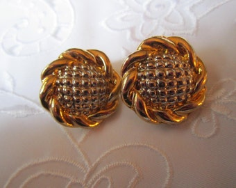 Vintage Gold And Silver Tone Clip On Round Flower Shaped Earrings