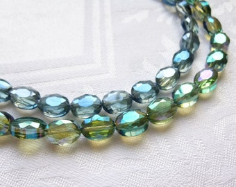 Anna Wintour Style Crystal Collet Statement Necklace -   Sahara Green Oval