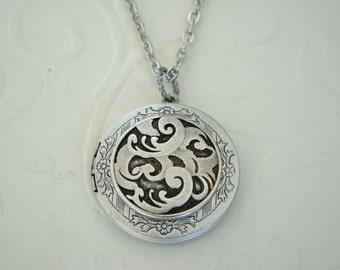 Silver Locket Bride Bridesmaids Wedding Jewelry Celtic Original Mother Daughter Sister  Romantic Wife Photos Pictures  - Alexia