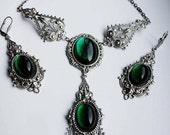 Russian Queen emerald set + Cicada ring as a gift