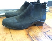 Ariat Chelsea paddock boots Size 8