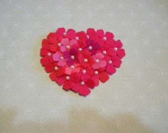Hydrangea Heart Felt Pin or Brooch in Pinks with Pearls   Happy Valentines Day
