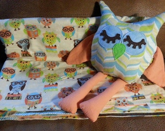 Hoot'n hollering cozy patchwork blanket with matching owl