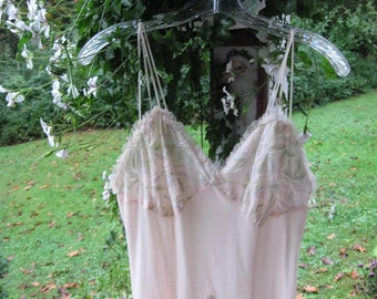 Vintage Lingerie / Peignoir Set / Layers of Chiffon / Vintage Nightgown and Robe Set / Pale Pinky Orange Chiffon / En Vogue