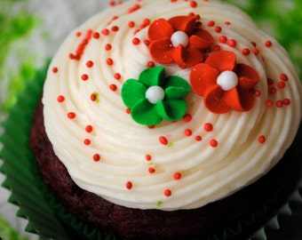 Royal Icing Flowers- Christmas Mix-  50 Sparkling flowers in Red and Green