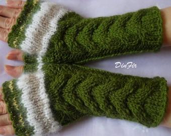 HAND KNITTED GLOVES / Women Accessories Wrist Warmers Fingerless Mittens Crochet Elegant Winter Romantic Warm Feminine Chic Cabled Gift 835