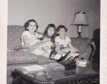 Vintage Photo - Kids on the Couch -Vintage Photograph, Vernacular, Found Photos (LLL)