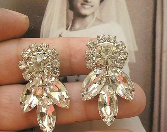 Clear Crystal earrings, Sparkle earrings, Vintage Style, Wedding jewelry Earrings, Bridal Clip On Earrings