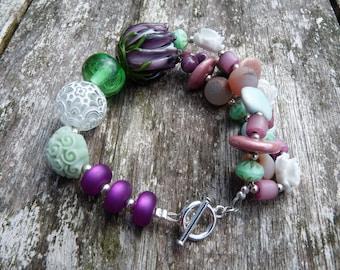 Beaded bracelet tulip purple, mint, green, white