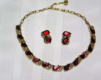 Vintage Red Tear Drop Rhinestones..Gold tone Prongs..Christmas..Valentine...necklace and clip earrings