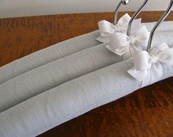 Padded Hangers, Linen Hangers, Dove Gray Linen Hangers, Gray Linen Hangers, Bridesmaid Hanger Gray Linen, Bridesmaid Gift, Covered Hangers