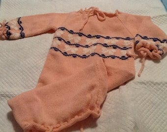 Vintage Knit Baby Girl Sweater Sack Baby Sack Pink with White Bows and Purply Blue Graphic Design NEWBORN