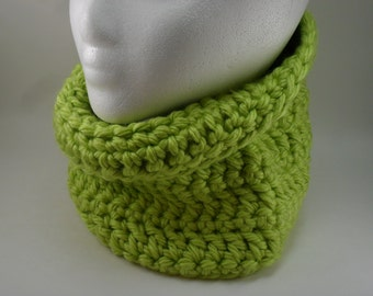 Classic Chunky Cowl - Monterey Lime Green